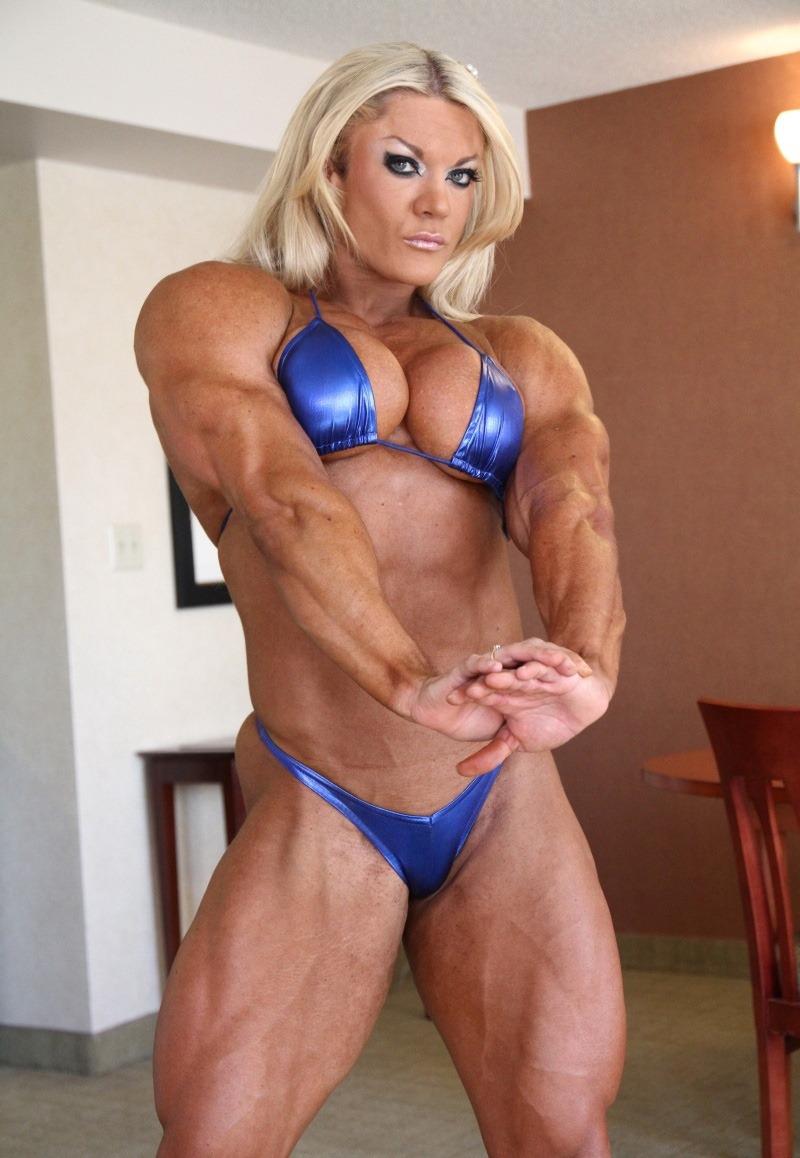 Female bodybuilder lisa cross naked workout 6