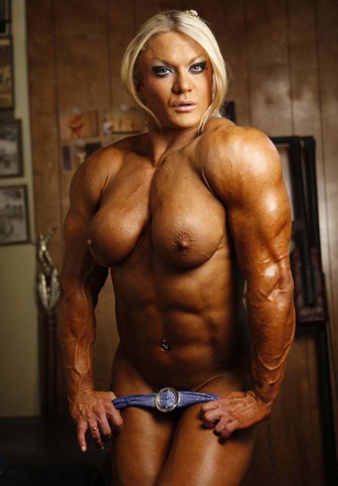Muscle Female Bodybuilder Nude
