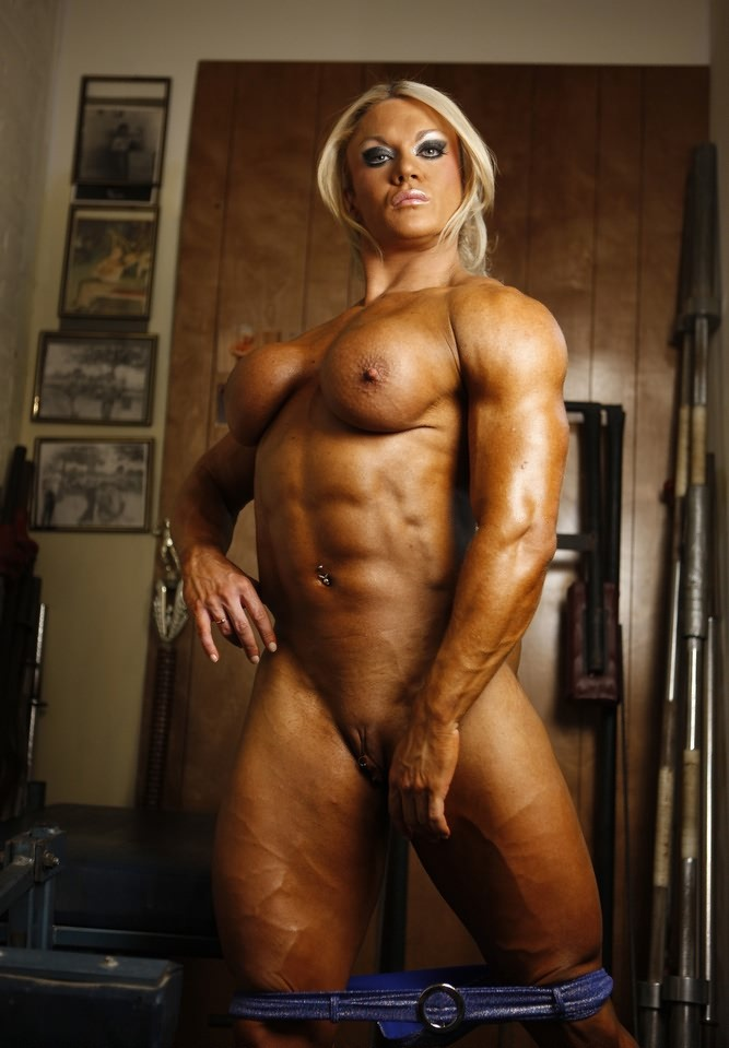Female Bodybuilder Goes Full Nude After Hard Gym Workout From