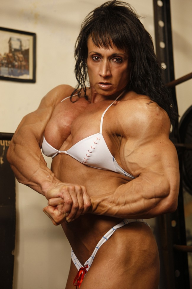 Massive Female Bodybuilder With Amazing Hot Muscle Body From