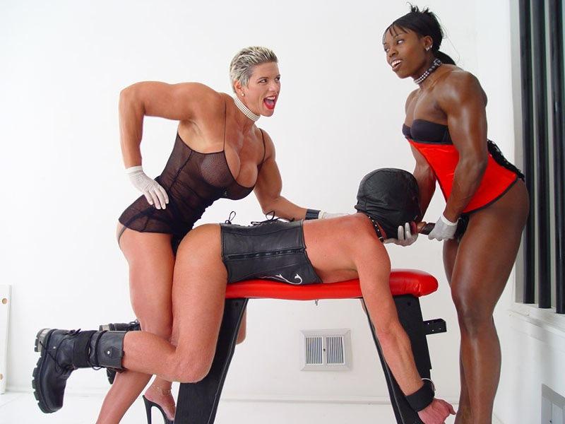 Bodybuilding women femdom
