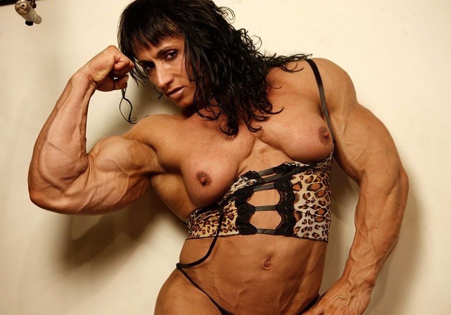 Massive Etreme Female Muscle At Its Finest