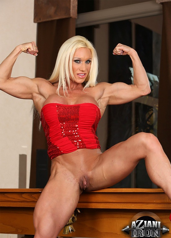 Muscled Blonde Milf With Big Boobs Ashlee Chambers Takes Off Gotporn 1